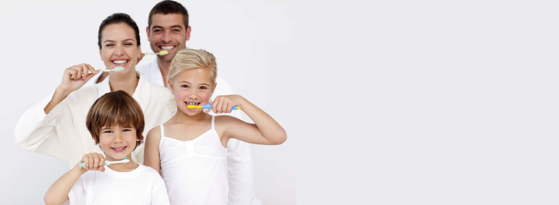 Slide1_ortodonzia_igiene_famiglia_dentista_Pavia_caprioglio-servizi