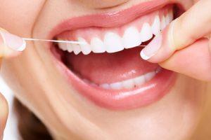 sorriso filo interdentale clinica dentale caprioglio pavia